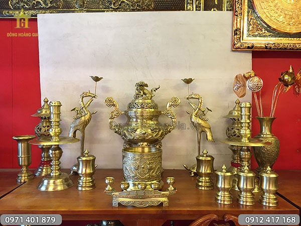 Bộ đồ thờ bằng đồng vàng đỉnh long phụng 70cm