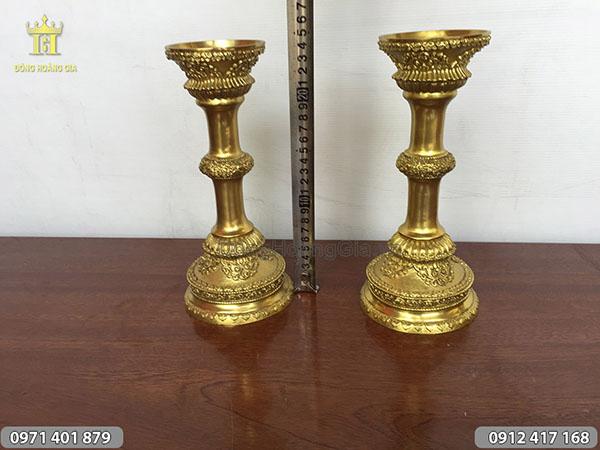 Đôi chân nến bằng đồng vàng cao 25cm