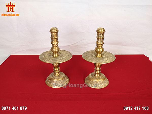 Đôi chân nến thờ bằng đồng vàng