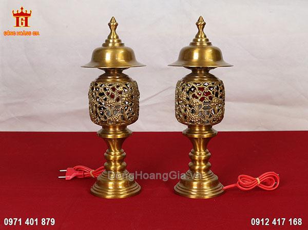 Đôi đèn thờ bằng đồng vàng cao cấp