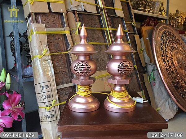 Đôi đèn thờ đồng đỏ cao 30cm