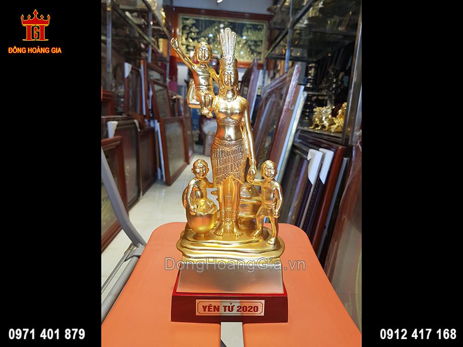 Huyền Thoại Mẹ Âu Cơ Dát Vàng 9999 Cao 30Cm