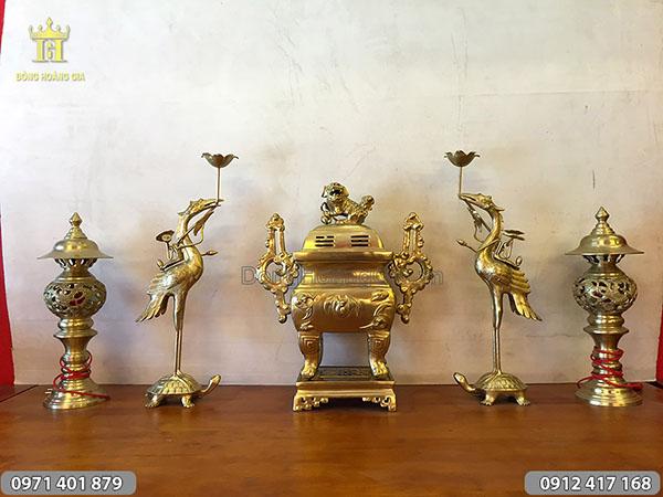 Ngũ sự bằng đồng vàng đỉnh vuông 50cm