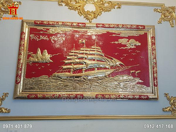 Tranh Đồng Thuận Buồm Xuôi Gió Nền Đỏ Khung Đồng 1M35