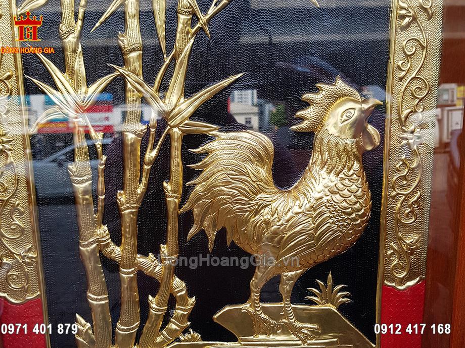 Tranh gà bằng đồng dát vàng 24K