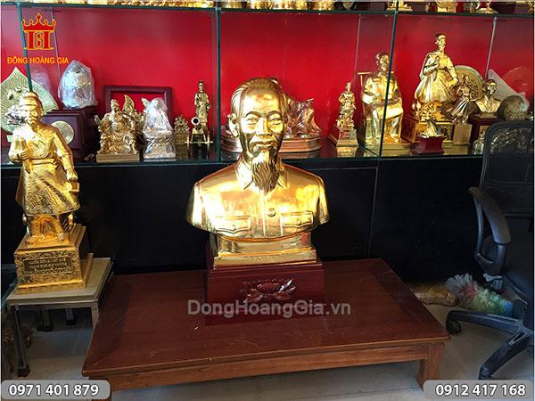 Tượng Bác Hồ bán thân thếp vàng cao 61cm