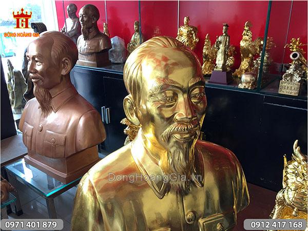 Tượng chân dung Bác Hồ thếp vàng cao 52cm