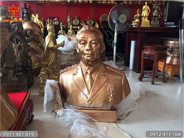 Tượng chân dung Đại tướng Võ Nguyên Giáp cao 81cm