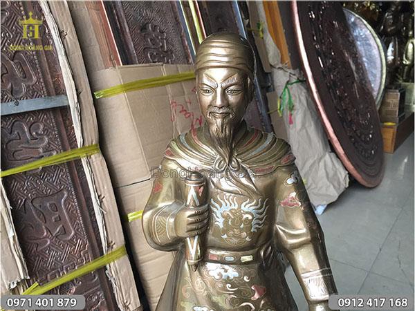 Tượng cụ Trần Quốc Tuấn cạo màu 70cm