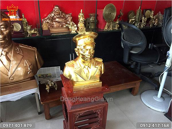 Tượng đồng Bác Giáp đội mũ thiếp vàng cao 40cm