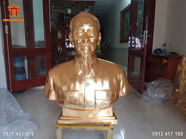 Tượng Đồng Bác Hồ Dát Vàng 9999 1M10