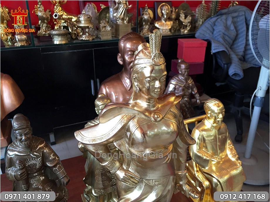 Tượng nữ tướng Lê Chân bằng đồng thau cao 50cm