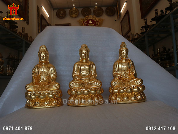 Tượng Phật Tam Thế ngồi bằng đồng vàng