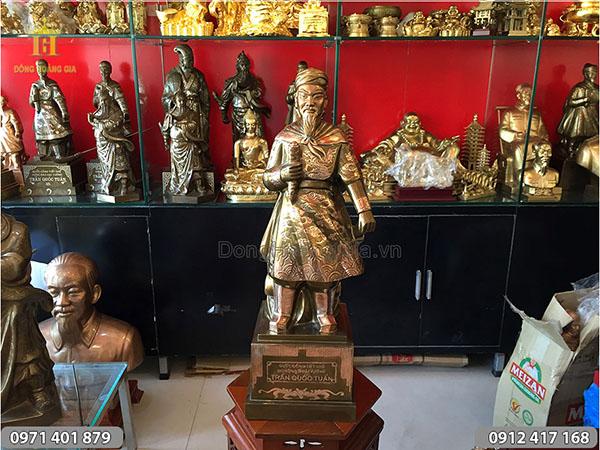 Pho tượng đồng Trần Quốc Tuấn cao 68cm